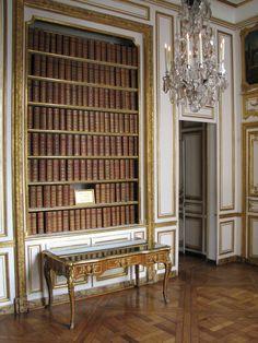 La #libreria posta nel Piccolo appartamento del Re a #Versailles