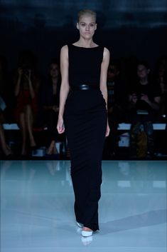 See the complete Maticevski Fall 2013 Ready-to-Wear collection.