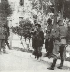 Greece, German occupation forces preparing the execution by hanging of a Greek resistant. Greek History, Interesting History, World War Two, Historical Photos, Old Photos, Ww2, Crime, The Past, Paradise