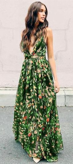 486a95e8aa39 Boho Chic Fashion Lookbook ♥ What to wear and How to get that Trending  Bohemian Street Fashion Look with style Best of Embroidery Outfit ...