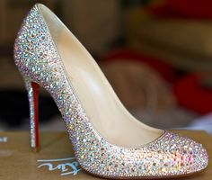 louboutin...Wow...I would love these~!!