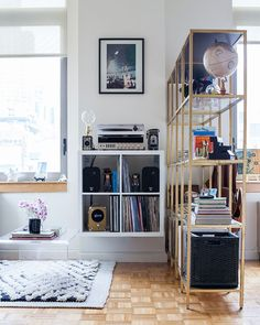 Molly Torres' NYC Studio Tour #theeverygirl