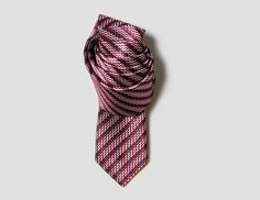 DANTE Cayenne tie- Complete your look with this handmade jacquard silk tie, set to add that dapper look to your outfit