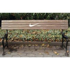 Creative advertising - Nike Running Bench (to encourage runners to keep going) Guerilla Marketing, Street Marketing, Marketing Ideas, Experiential Marketing, Viral Marketing, Content Marketing, Just Run, Just Do It, Corporate Design