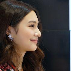 I Love Girls, Cute Asian Girls, Asian Celebrities, Celebs, Pretty Face, Asian Beauty, Diamond Earrings, Womens Fashion, Instagram Posts