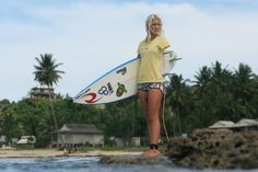 "Bethany Hamilton, the real ""soul surfer"". Bethany Hamilton, Soul Surfer, Surfer Magazine, Surfboard, Old School, Photo Galleries, Surfing, Inspire, Lady"