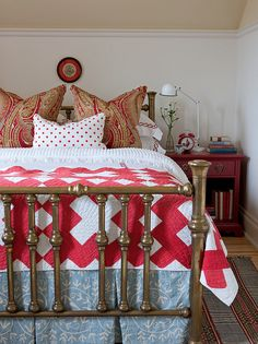 sarah richardson red and white and light blue farmhouse bedroom, brass bed, antique quilt, paisley Decor, Cottage Bedroom, Sarah Richardson Design, Room Inspiration, Cozy Bedroom, Bedroom Decor, Beautiful Bedrooms, Brass Bed, Cottage Style Decor