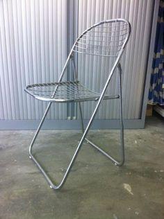 3 metalen klapstoelen - Prijs: € 15,00