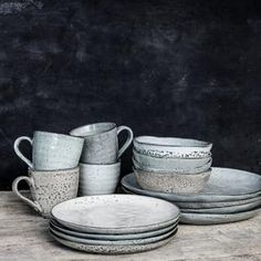 Start your day in style with a beautiful ceramic cup from House Doctor. The Rustic cup is handmade of ceramic, and has a nice, rustic appeal that Rustic Mugs, Rustic Bowls, House Doctor, Ceramic Bowls, Stoneware, Rustic Dinner Plates, Rustic Ceramics, White Dinnerware, Porcelain Dinnerware