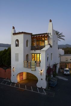 View of Pistachio House by Jeff Shelton Architect Spanish Style Homes, Spanish Colonial, Spanish Revival, Spanish House Design, Spanish Bungalow, Spanish Architecture, Architecture Design, Br House, Mexico House