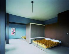 le corbusier / interior of the maison jumelée (at weissenhof). photo flc/adagp. love the colours!