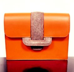 Lady's bag by Xavier Thomas #xavierthomasmaroquinier #leather #leatherfashion #leathergoods #travel #vintage #bag #collection #luxury #luxe #style #fashion #trend #lady #men #womanfashion #menfashion #etsy #handmade #craft #nice #beautiful #instadaily #instagood #Belgium #Bruge