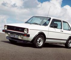 فيديو: تعرف على سيارة فولكس واجن جولف GTI الأسطورية موديل 1976 #فيديو #سيارات #القيادي #منوعات #CAR #Alqiyady