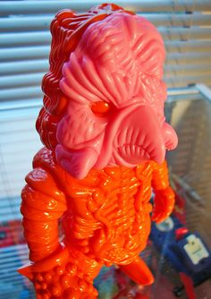 Poggy Face for Salamander Joe by Paul Kaiju