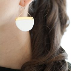 L u i s a  Elegant summer earrings  White & gold by byloumi, €72.00