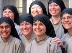 AAAHHHHHHHH!!!!!!! <3 Franciscan Sisters of the Renewal <3 <3 <3 <3 <3 sooo beautiful!!!!