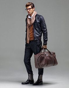 A black leather bomber jacket and black chinos are a go-to pairing for many style-conscious guys. To bring a bit of fanciness to this ensemble, complement your outfit with a pair of black leather casual boots. Mens Fashion Shoes, Look Fashion, Urban Fashion, Winter Fashion, Fashion Accessories, Fashion Styles, Fashion 2015, Fashion Ideas, Male Fashion
