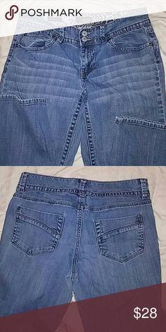 A.N.A A New Approach boot cut jeans size 8p Like new. Inseam 28.. Waist 30 a.n.a a new approach Jeans Boot Cut