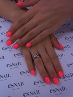 Want to know how to do gel nails at home? Learn the fundamentals with our DIY tutorial that will guide you step by step to professional salon quality nails. Short Pink Nails, Dark Pink Nails, Neon Nails, Pink Shellac Nails, Bright Coral Nails, Bright Summer Nails, Summer Colors, Fancy Nails, Cute Nails