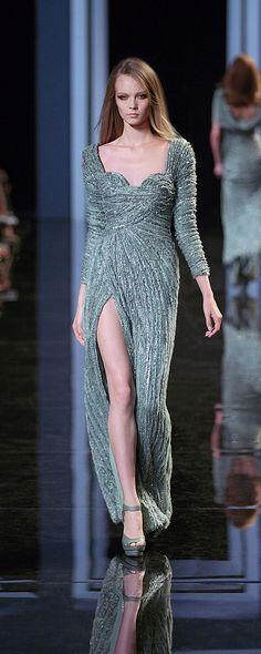 Elie Saab Fall-winter 2010-2011 - Couture - http://www.orientpalms.com/elie-saab-1789