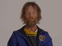 Hajléktalan veterán őrületes átalakulása Time-lapse videó mutatja be a férfi bámulatos átváltozását.