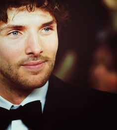 Colin Morgan at the NTAs. Stahp it with your face sir. Staaaahhhpp.