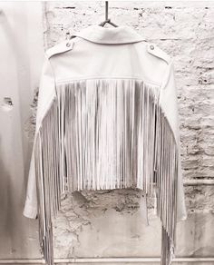 Fringes Country Style Outfits, Fringe Leather Jacket, Cool Outfits, Fashion Outfits, Honky Tonk, Blouse Outfit, Rockers, Fringes, Look Cool