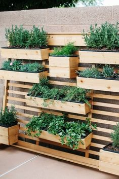 Beautiful Small Space Ideas For Gardens 10 - TOPARCHITECTURE