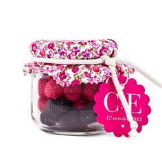 Blackberries in jar little flowers Girl Spa Party, Party Co, Fiesta Party, Candy Display, Mason Jar Gifts, Ideas Para Fiestas, Little Flowers, Candy Gifts, Candy Shop