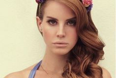lana del rey- i wish i looked like her and had her singing voice