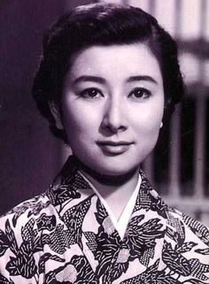 Yamamoto Fujiko 山本富士子 in Higanbana 彼岸花 (Equinox Flower) - Director : Ozu Yasujirou 小津安二郎 (1903-1963) - Japan - 1958