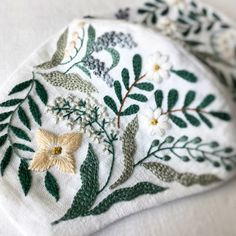 handmade handmade Handmade mask 2020 - Lily of the valley Sleep mask 2020 - Embroidery pouch 2016 - Embroidery bow Brooch 2015 - Ring pillow 2015 - Mini pouch 2014 - Mini pouch necklace 2014 - summer. Hand Embroidery Designs, Floral Embroidery, Embroidery Stitches, Embroidery Patterns, Pineapple Embroidery, Pouch Pattern, Diy Mask, Mask Design, Design Art