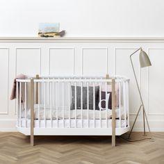 Op zoek naar een ledikantje voor je kindje waar je langer mee kan doen dan alleen de babyperiode? Dan is een meegroei ledikant toch ideaal..