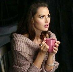 Beautiful Models, Beautiful Actresses, Most Beautiful Women, Amazing Women, Selfies, Turkish Beauty, Turkish Actors, Classy Women, Woman Crush