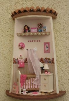 Tejas decoradas Clay Houses, Ceramic Houses, Miniature Houses, Creative Crafts, Diy And Crafts, Clay Fairy House, Clay Wall Art, Doll House Plans, Tile Crafts