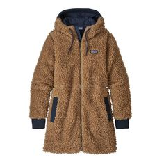 Fulfill all your fuzzy dreams with this Patagonia Women's Dusty Mesa Parka in Bearfoot Tan. Featuring fleece construction, midthigh length, and neutral coloring, you will want to wear this Patagonia Parka all winter long and we won't blame you! Nylons, Womens Parka, Outerwear Women, Outdoor Outfit, Winter Wardrobe, Autumn Winter Fashion, Winter Wear, Fall Fashion, Shopping