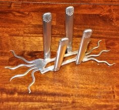 Stunning silverware Napkin Holder by jjevensen on Etsy Fork Art, Spoon Art, Smart Kitchen, Kitchen Storage, Storage Jars, Awesome Kitchen, Storage Cabinets, Silverware Jewelry, Spoon Jewelry