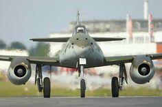 Messerschmitt Me 262 Ww2 Fighter Planes, Air Fighter, Ww2 Planes, Fighter Aircraft, Fighter Jets, Military Jets, Military Aircraft, Luftwaffe, Airplane History