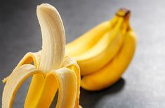 These 10 reasons will make bananas your favorite fruit.A banana contains vital nutrients and minerals. Read more and get the best out of bananas. Banana Energy, Health And Wellness, Health Fitness, Bone Health, Natural Cures, Good To Know, Home Remedies, The Cure