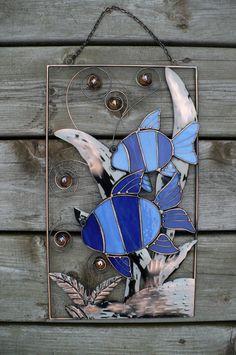 BLUE TROPICAL FISH IN COPPER REEDS SUN CATCHER 9 W X 15 T