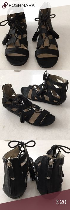 Sam & Libby Gladiator Sandals These sandals zip up the back and are very comfortable!! Please ask any questions and Happy Poshmarking ❤️ Sam & Libby Shoes Sandals