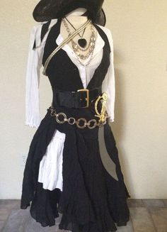 Adult Pirate Halloween costume by PassionFlowerVintage Pirate Halloween-Kostüm von PassionFlowerVintage … – New Ideas costume - Pirate Cosplay, Female Pirate Costume, Pirate Halloween Costumes, Halloween Outfits, Cool Costumes, Diy Pirate Costume For Women, Pirate Outfits, Costume Ideas, Pirate Clothes
