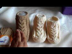 Plumas reversibles a crochet - English subtitles: Crochet reversible feathers / Tejiendo Perú - YouTube Baby Booties Knitting Pattern, Knit Baby Booties, Booties Crochet, Baby Boots, Baby Knitting Patterns, Knitting Socks, Free Knitting, Crochet Patterns, Diy Crafts Knitting
