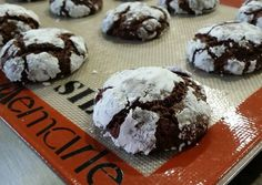 Chocolate Crinkle Cookies Recipe -  Yummy this dish is very delicous. Let's make Chocolate Crinkle Cookies in your home!