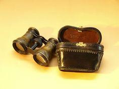 Reproducción estuche de cuero para gemelos de teatro, originario siglo XIX