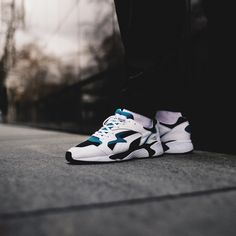 Release Date : March 2018 Puma Prevail OG Ocean Depths / Dazzling Blue Credit : The Good Will Out Latest Sneakers, Retro Sneakers, Men's Sneakers, Ocean Depth, Nike Huarache, March, Blue, Shoes, Style