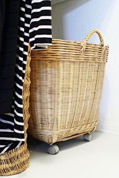 add castors to a basket