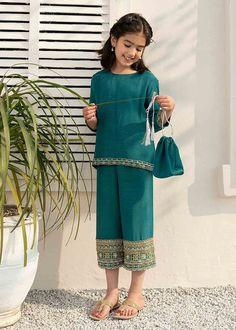 Latest Dress Design, Stylish Dress Designs, Stylish Dresses, Simple Dresses, Kids Wear, Kids Dress Wear, Kids Salwar Suit, Baby Dresses, Girls Dresses