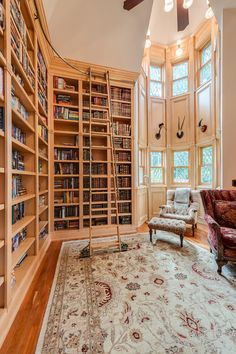 Gorgeous library. When I'm like fifty and trying to build my permanent house. I hope it will have this