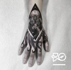 Created by Robert Pavez | Tattoo.com